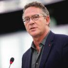 Κ. Αρβανίτης στην Ολομέλεια:🔻Η Κόκκινη Καρφίτσα Σύμβολο στον Αγώνα κατά του Φασισμού