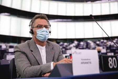 (LIVE) Στην Ολομέλεια του Ε/Κ για την άνοδο της ακροδεξιάς στην Ευρώπη θα τοποθετηθεί ο Κ. Αρβανίτης